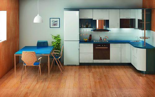 Холодильник Бирюса на кухне