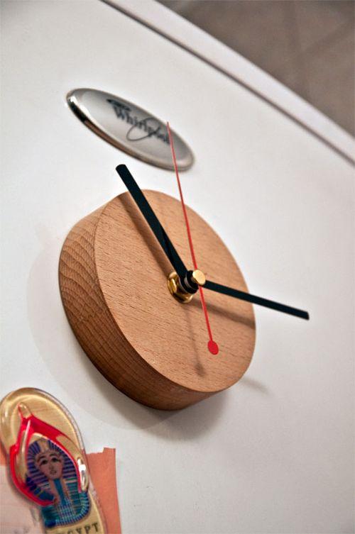 Часы магнит