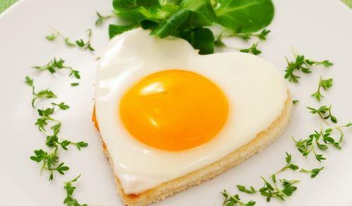 Зажарить яйцо в микроволновке