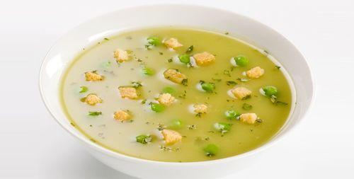 Суп с сухариками и зеленью