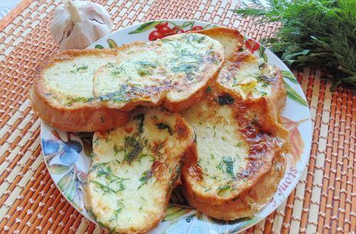 Сырные тосты с чесноком и зеленью